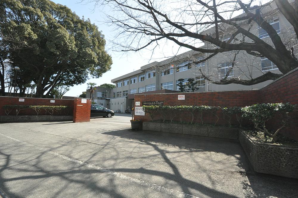 http://www.takasugi.co.jp/kumamoto/wp-content/uploads/2018/04/takumaminami-shogakko.jpg