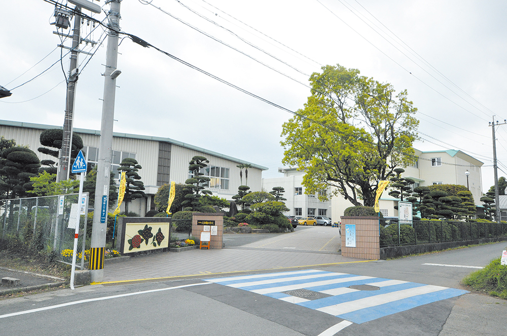 https://www.takasugi.co.jp/kumamoto/wp-content/uploads/2018/10/hokubuhigashishogakko.jpg