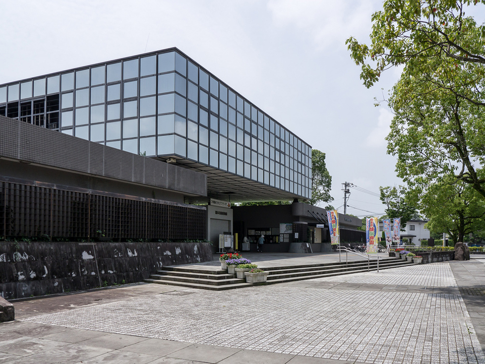 https://www.takasugi.co.jp/kumamoto/wp-content/uploads/2019/05/doshokubutsuen.jpg
